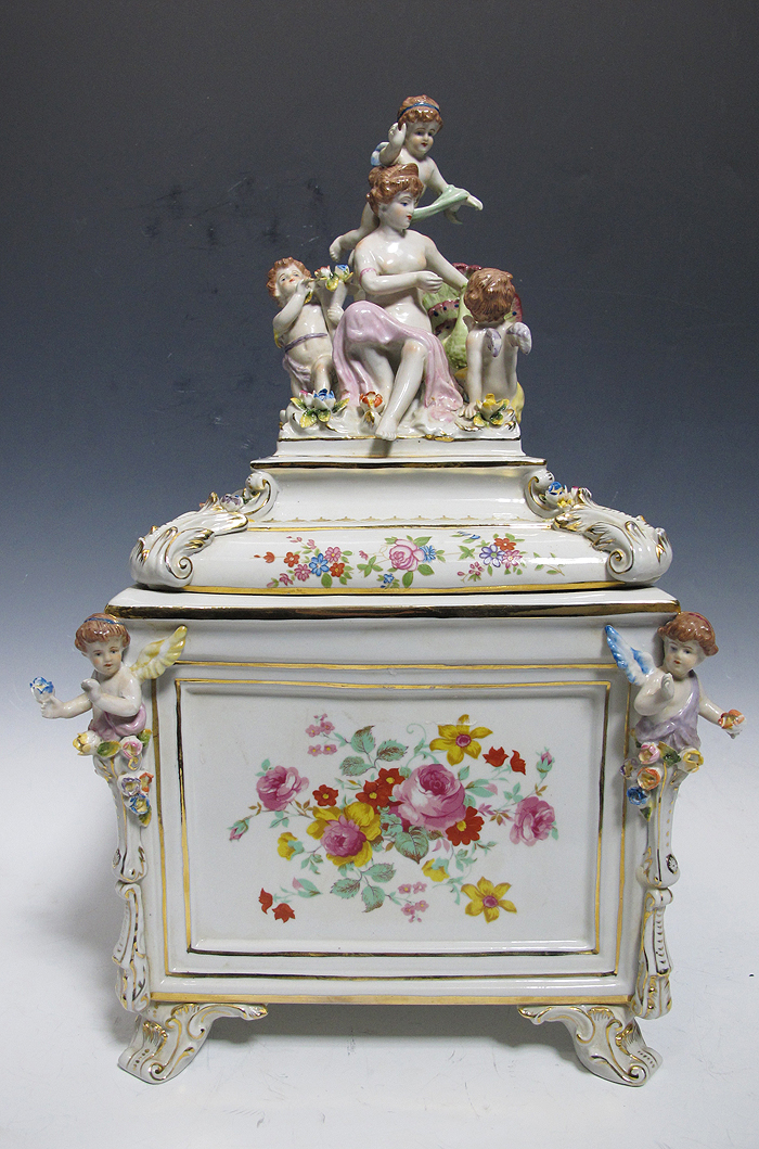 vintage volkstedt greiner germany gilded porcelain cherub mantle centerpiece yqz ebay. Black Bedroom Furniture Sets. Home Design Ideas